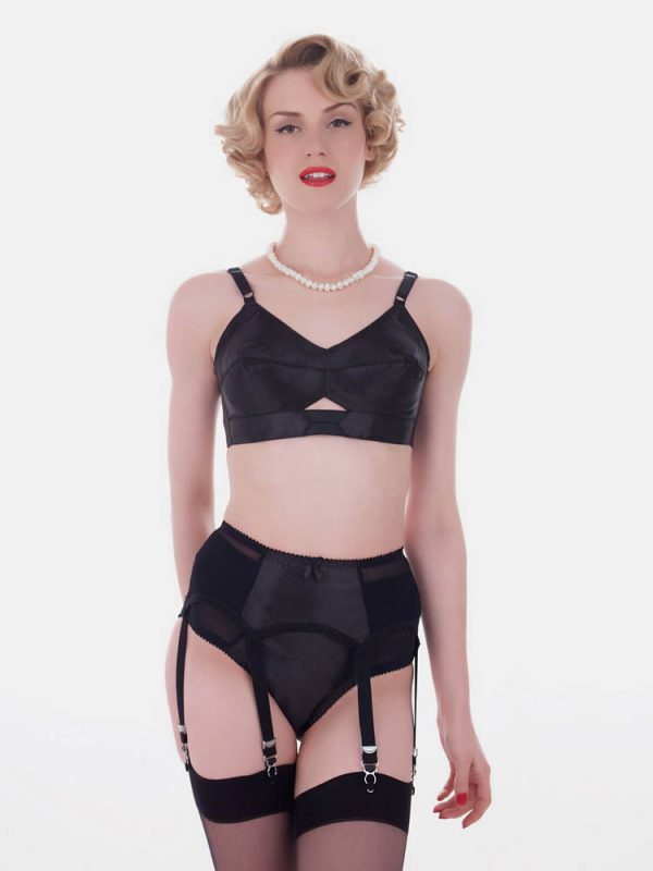 what katie did narrow garter-belt
